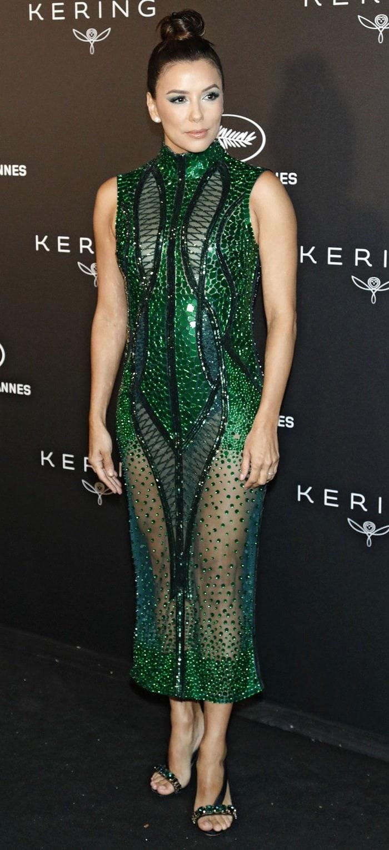 Eva Longoria looked amphibious in an emerald-green dress