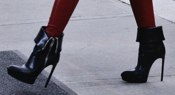 Hayden Panettiere in high-heeled Saint Laurent Classic Janis boots