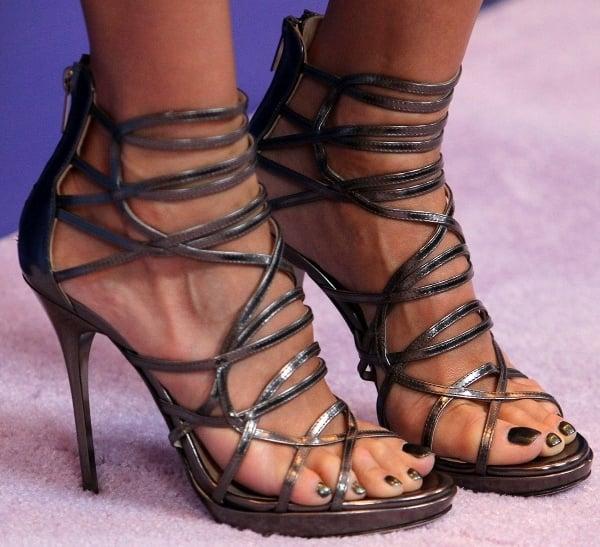 "Jessica Alba's feet in silver Jimmy Choo ""Madison"" sandals"