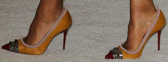 Kerry Washington wears a pair of Christian Louboutin pumps