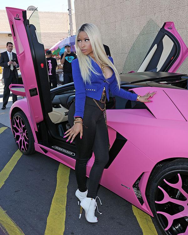 Nicki Minajarrived in a pinkLamborghini Aventador sports car