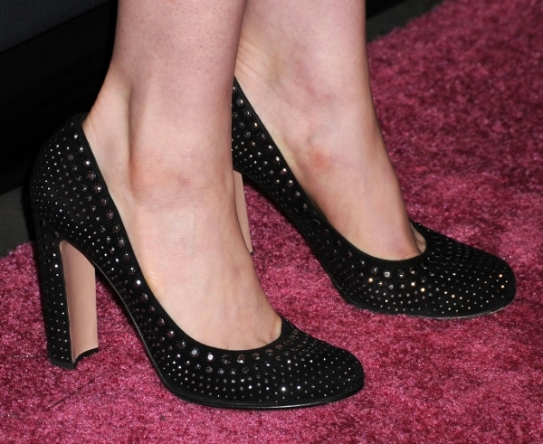 Anne Hathaway's studded Prada pumps with a block heel