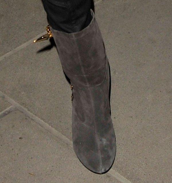 Una wearing ankle boots by Giuseppe Zanotti