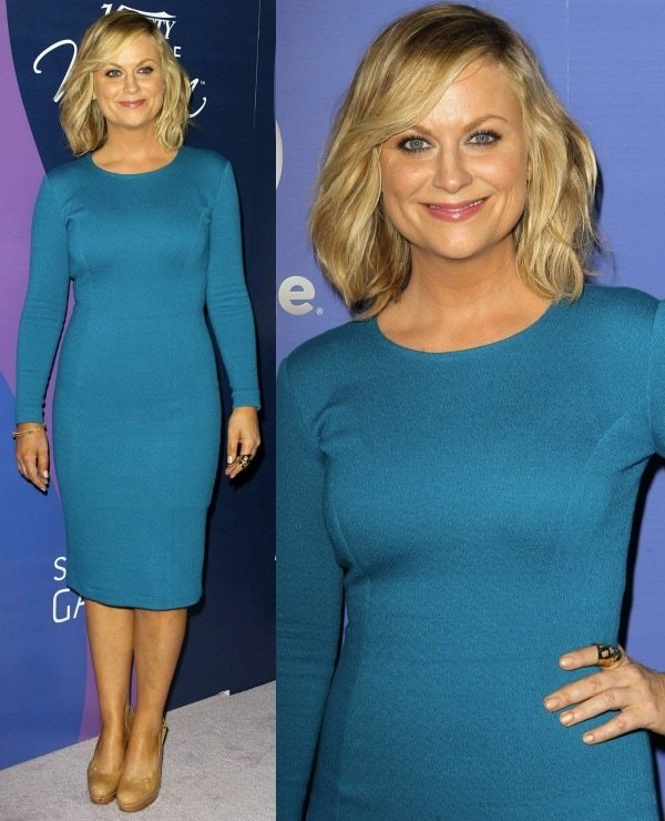 Amy Poehler dazzled in a teal Beckley by Melissa body-con dress and nude pumps from Stuart Weitzman