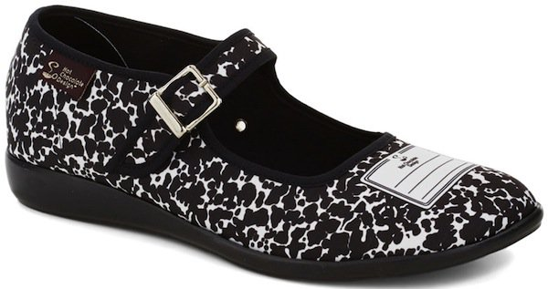 """""""Shoes of Note"""" Flats"""