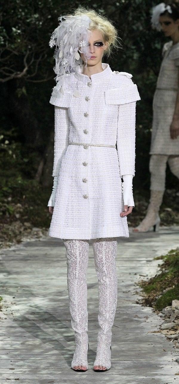 Who wore white chanel better jessica biel vs alexa chung for Couture vs haute couture