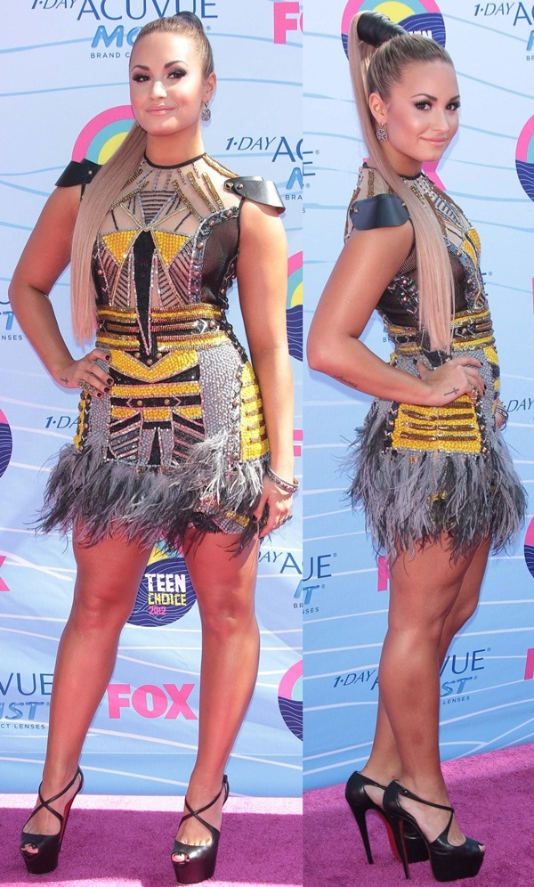 Demi Lovato shows off her long ponytail at the 2012 Teen Choice Awards