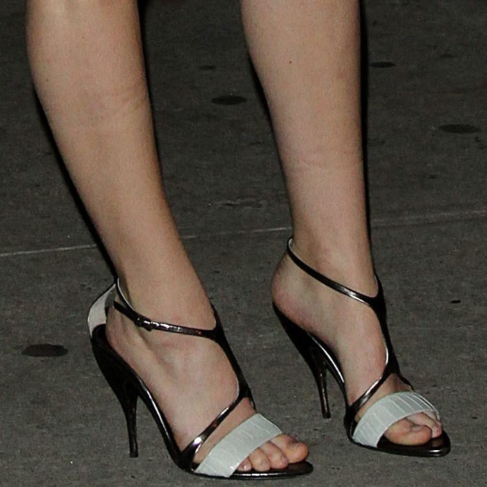Jennifer Lawrence's sexy feet in Narciso Rodriguez shoes