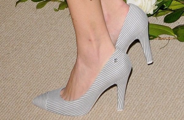 Alexa Chung's striped Chanel Resort 2014 pumps