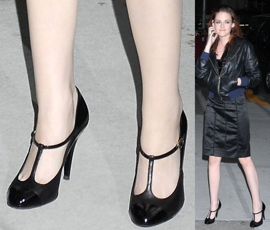 """Kristen Stewart's feet in t-strap pumps at the Ed Sullivan Theater for """"The David Letterman Show"""""""