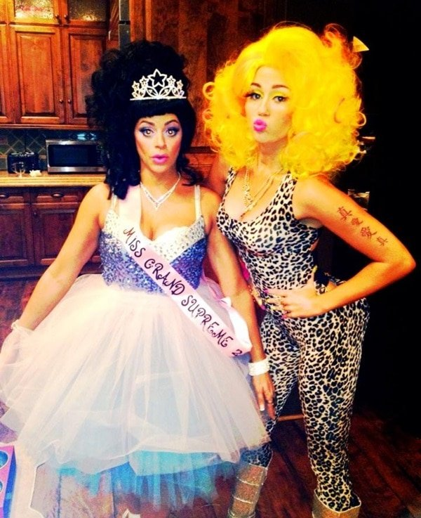There have been conflicting stories about how Nicki responded to the outfit that Miley Cyrus wore last year