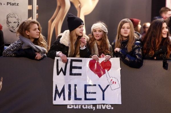 Miley Cyrus was bombarded with fans on the red carpet in Berlin