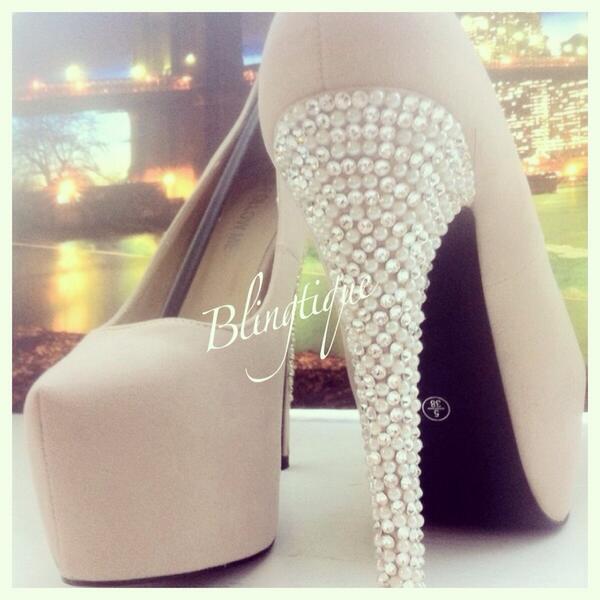 Pretty Pearl Heels