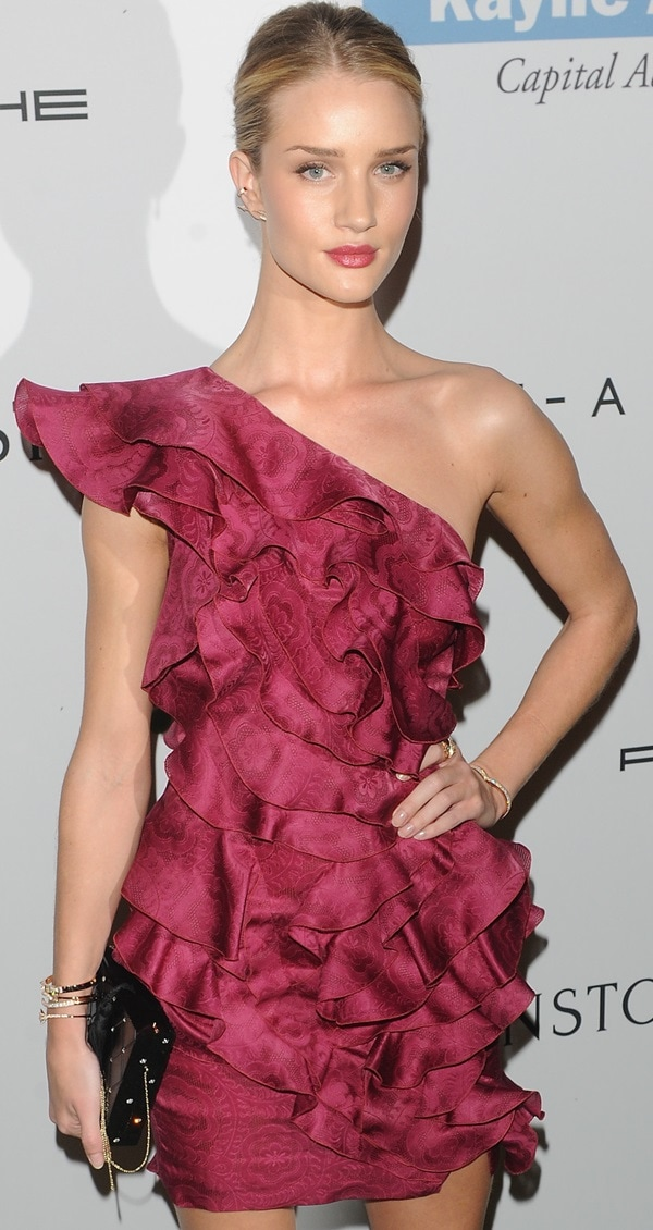 Rosie Huntington-Whiteley attends the 2nd Annual Baby2Baby Gala