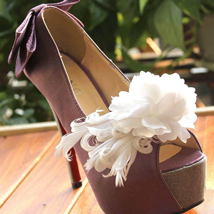 White Flower and Feathers Shoe Clips