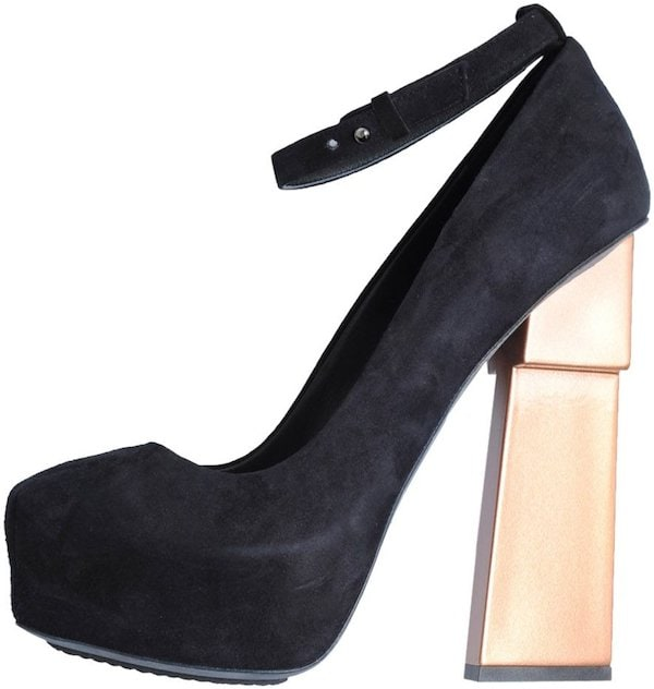 "Aperlai ""Geisha Doll"" Pump in Black Suede"