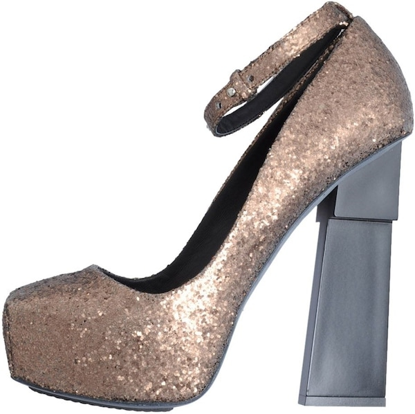 "Aperlai ""Geisha Doll"" Pump in Bronze Glitter"