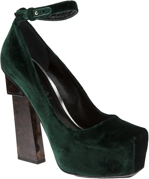 "Aperlai ""Geisha Doll"" Pump in Forest Green"