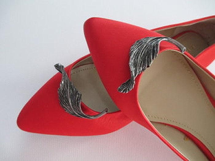 Vintage Metal Leaf Shoe Clips