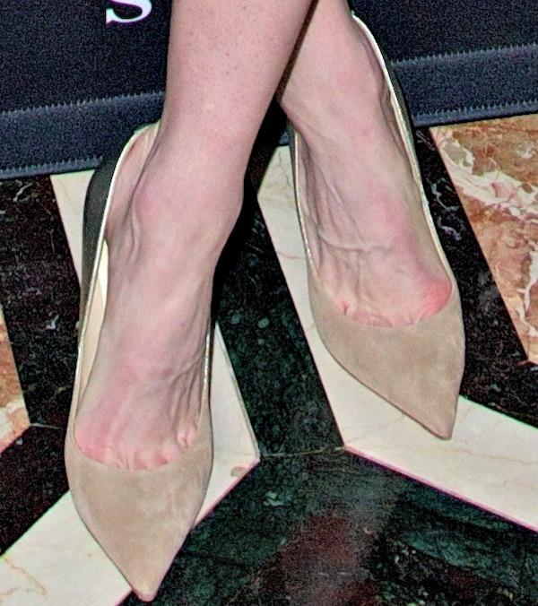 Hilary Rhoda's toe cleavage in Jimmy Choo pumps