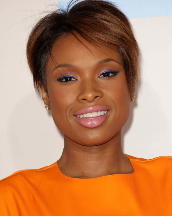 Her cropped hair was beautifully styled with caramel highlights