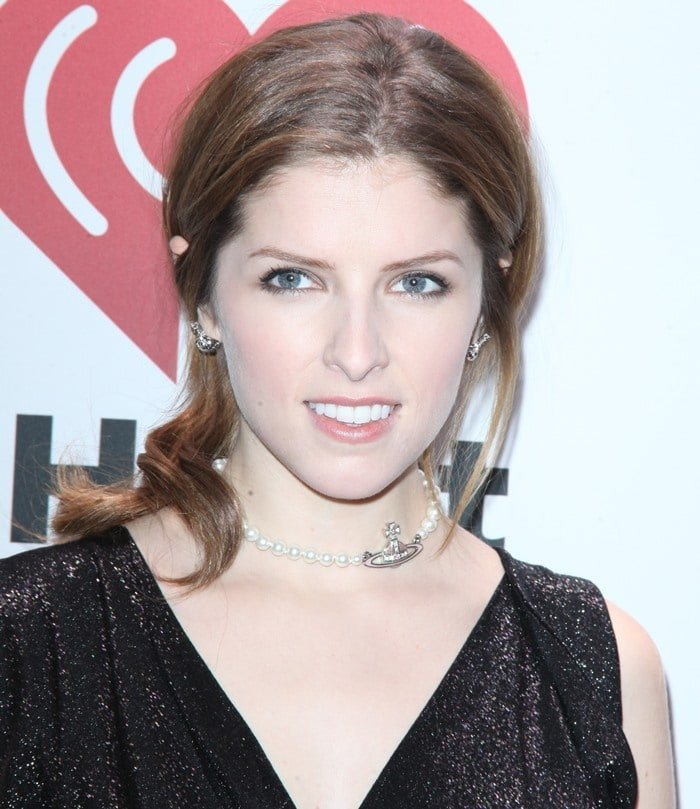 Anna Kendrick wears her hair back at the 2013 Z100 Jingle Ball