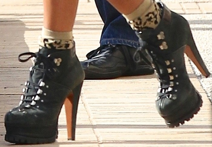 Beyonce's feet in Azzedine Alaia platform hiking boots