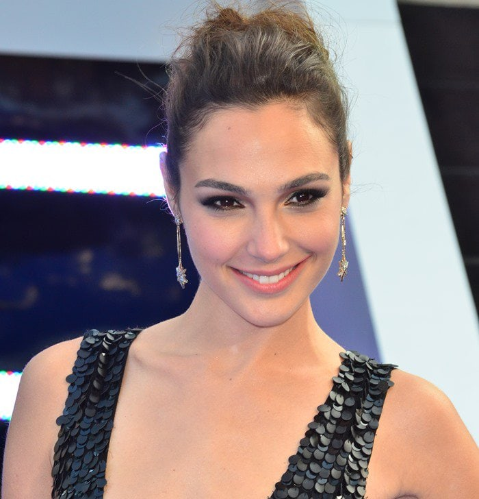 """Gal Gadot wears her hair back at the world premiere of """"Fast & Furious 6"""""""