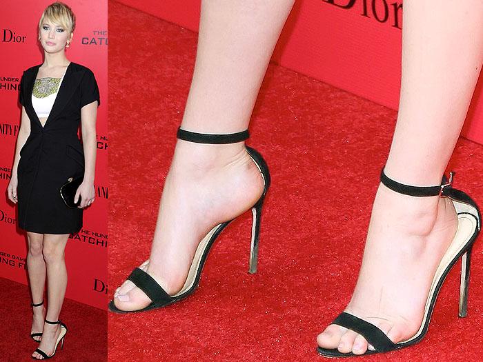 Jennifer Lawrence muddy heels