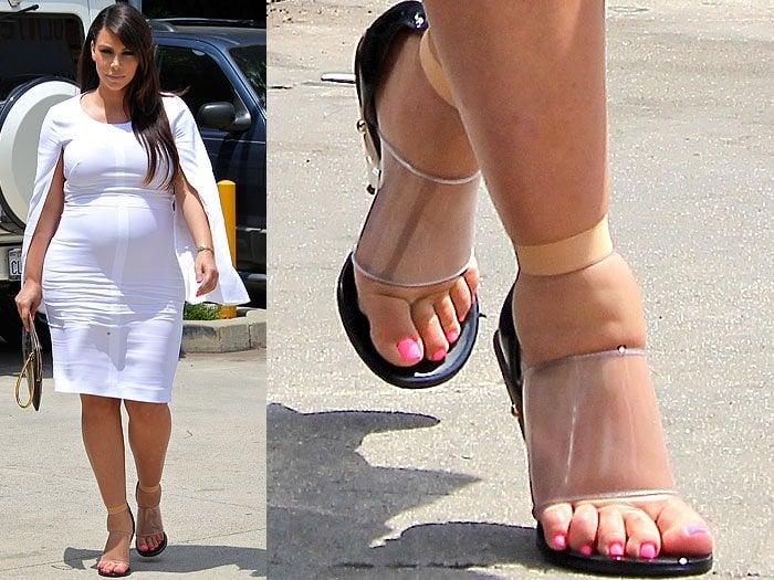 3065d11c021 Kim Kardashian with visibly swollen feet