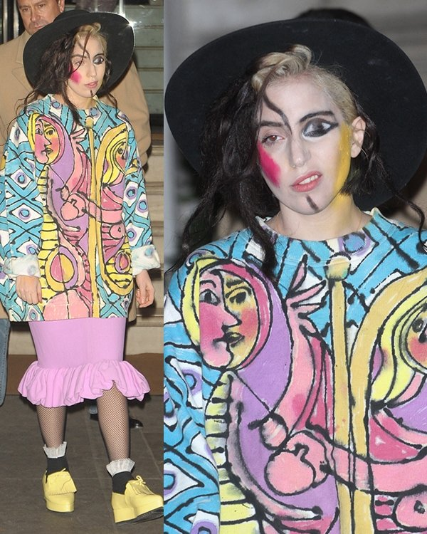 Lady Gaga'sPicasso-themed look styled with matching makeup