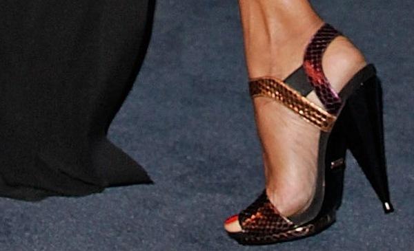 Zoe Saldana wearing snakeskin sandals