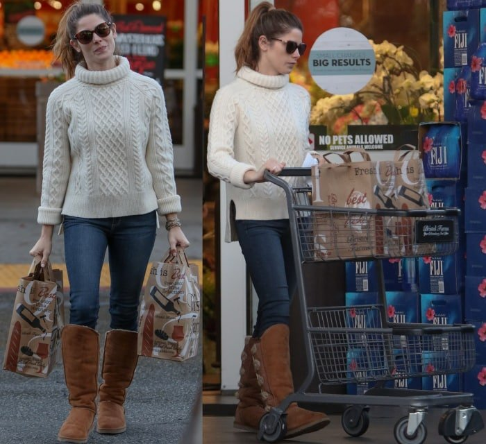 62e8af7dee UGGs With Jeans  20 Ways to Wear Ugg Boots With Denim