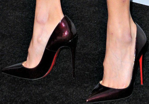 Jamie Chung shows off her feet in rogue noir shoes