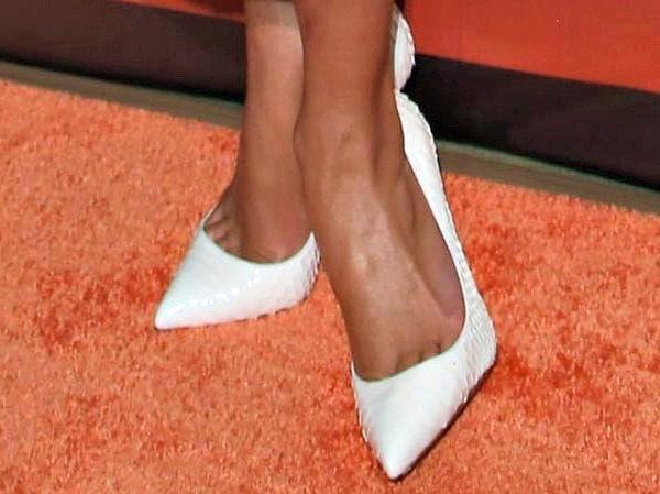 Jennifer Lopez in white heels from Christian Louboutin