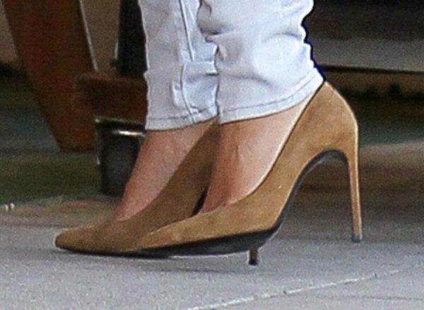 Kim Kardashian's gorgeous shoes by Saint Laurent