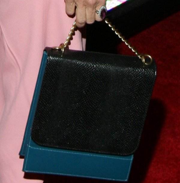 Sarah Jessica Parker toting an eco-friendly black-and-teal bag from Freedom of Animals