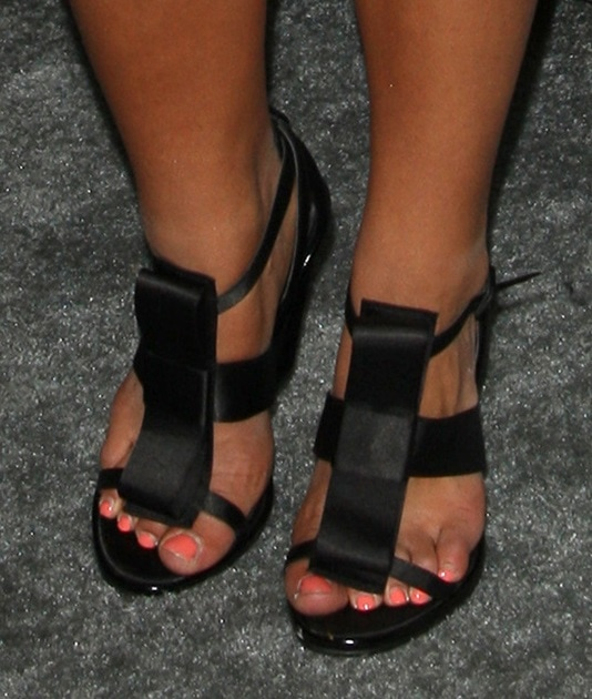 Sierra Deaton's sexy feet in bow-detailed satin sandals
