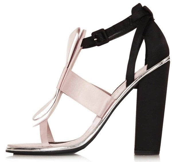 """Topshop """"Raspberry"""" Bow-Embellished Sandals in Nude/Black"""