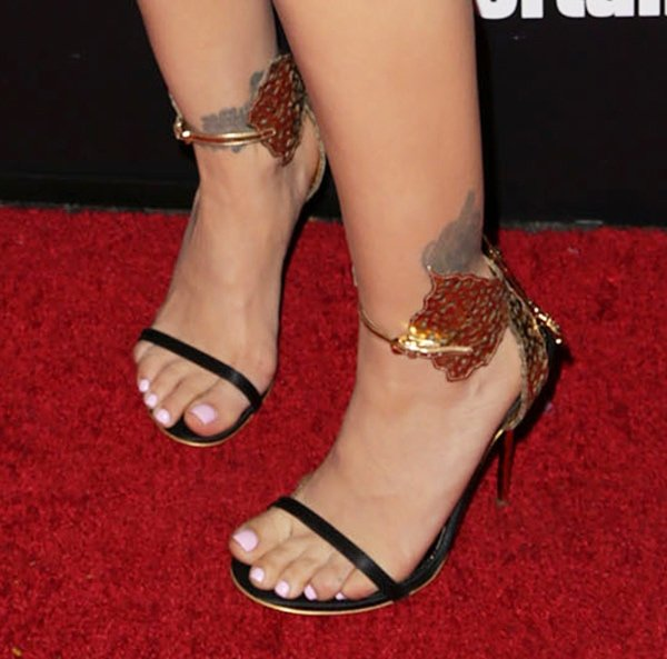 What we love most about Alyssa Milano's entire ensemble are her heels!