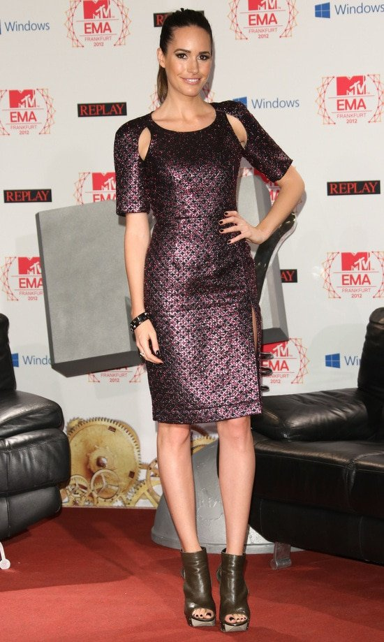Louise Roe displays her sexy legs at MTV EMA's 2012 photocall
