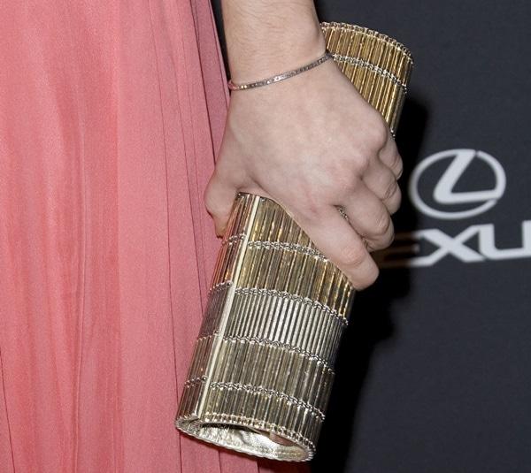 Sarah Hyland totingan ITA Collection clutch