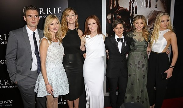 Alex Russell, Cynthia Preston, Judy Greer, Julianne Moore, Kimberly Peirce, Chloë Grace Moretz, and Portia Doubleday at the premiere of Metro-Goldwyn-Mayer Pictures and Screen Gems' Carrie at ArcLight Cinemas Hollywood in Los Angeles on October 7, 2013