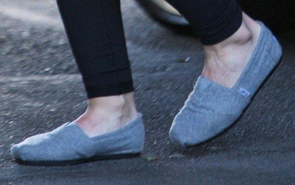 hilary duff leaving salon shoe closeup