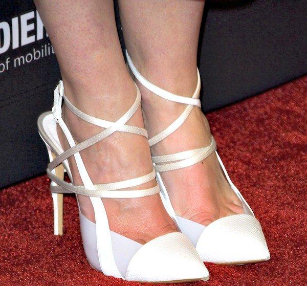 Jaime King shows off her hot feet inwhite heels from Casadei