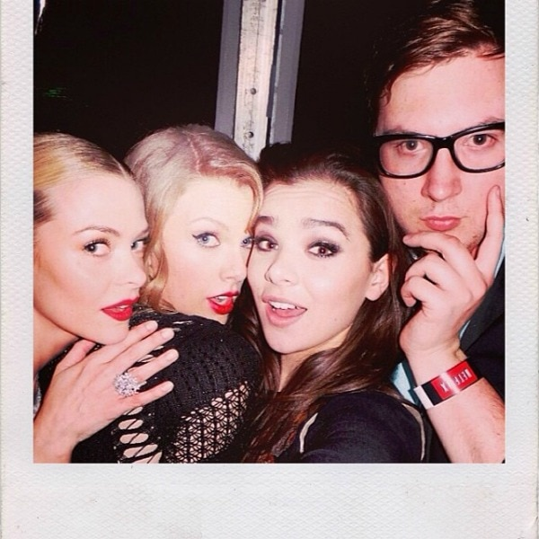 Jaime King with Taylor Swift, Hailee Steinfeld, and Justin Campbell