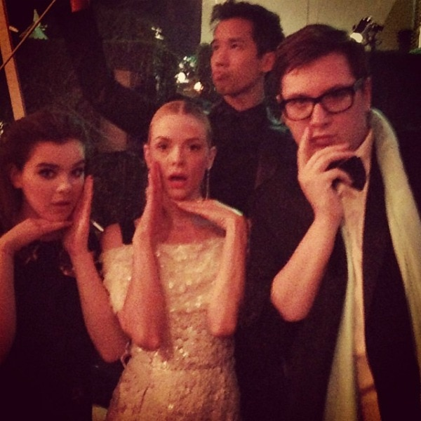 Jaime King, with Hailee Steinfeld, Jared Eng, and Justin Campbell