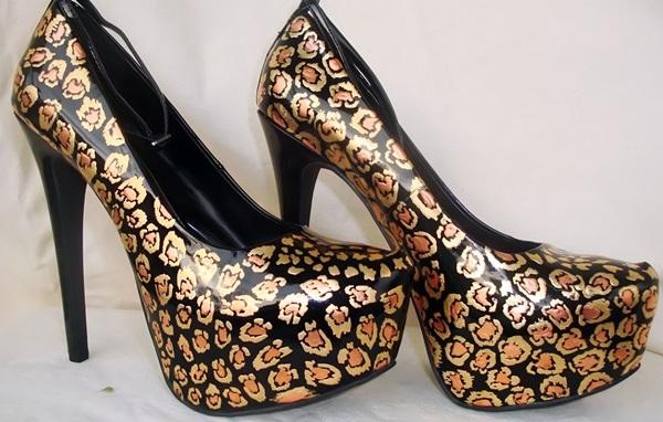 Leopard print gold leaf