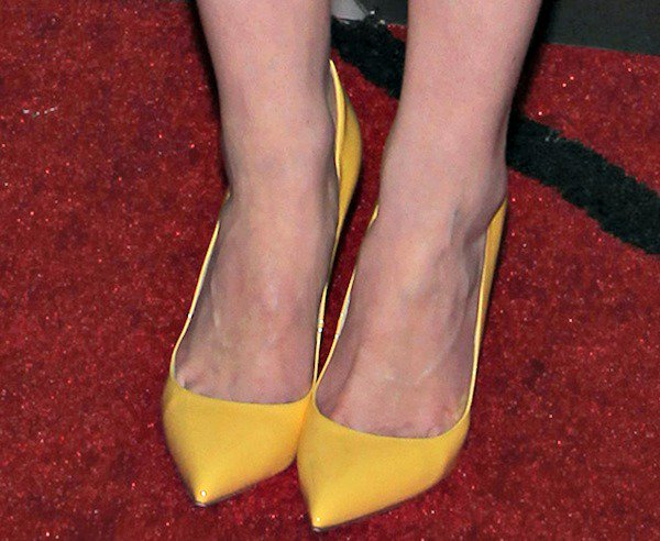 """Michelle Dockery wearing yellow """"Batignolles"""" pumps from Christian Louboutin"""