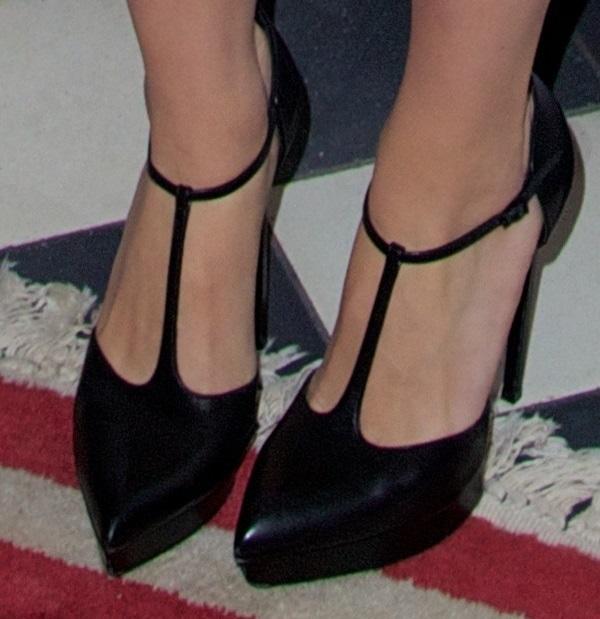 Scarlett Johansson wearingSaint Laurent t-strap pumps